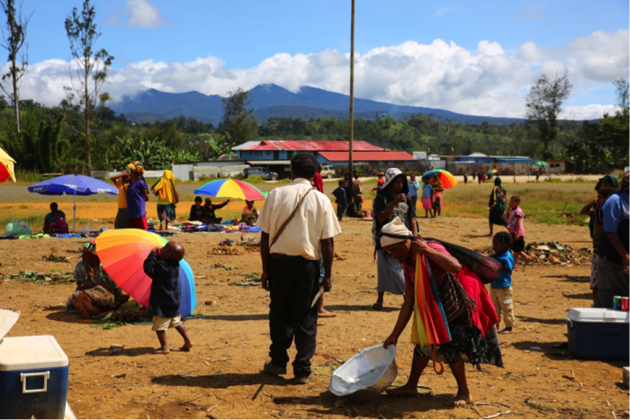 PNG LNG Huli landowners at Komo with Mount Sisa in the background (photograph by the author).